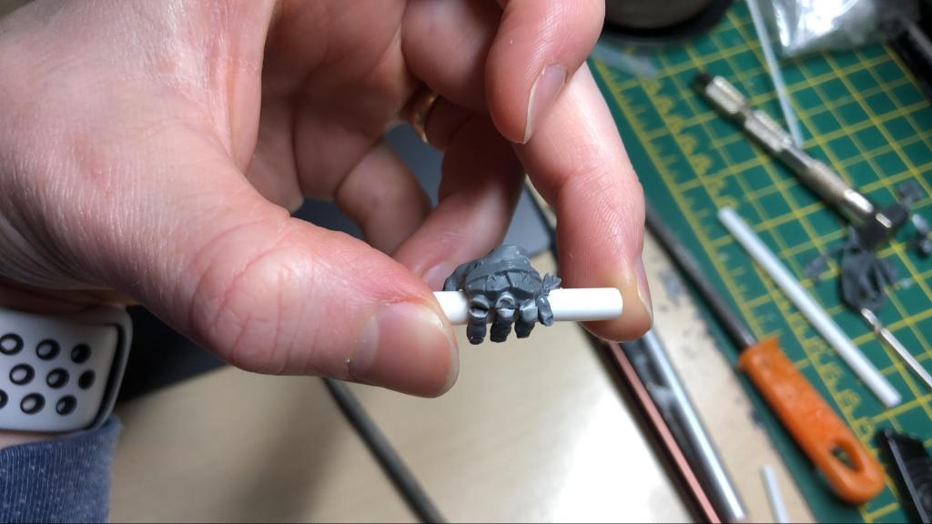 Gargant hand being customised