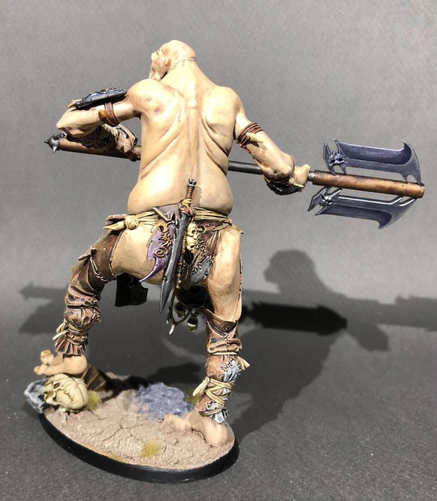 Back of well painted age of sigmar gargant